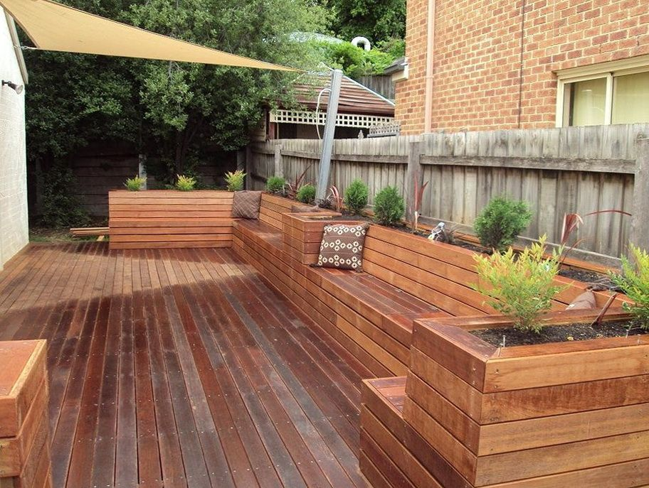 Deck planter box bench modern townhouse pinterest for Deck garden box designs