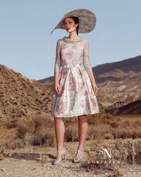 54be26142aaf Krátke dámske šaty Svadobný salón Valery