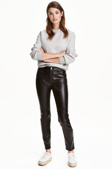 previzualizare a stiluri proaspete site autorizat Imitation leather trousers - Black - Ladies | H&M GB | Pantaloni di pelle,  Pantaloni di pelle nera, Jeans di pelle