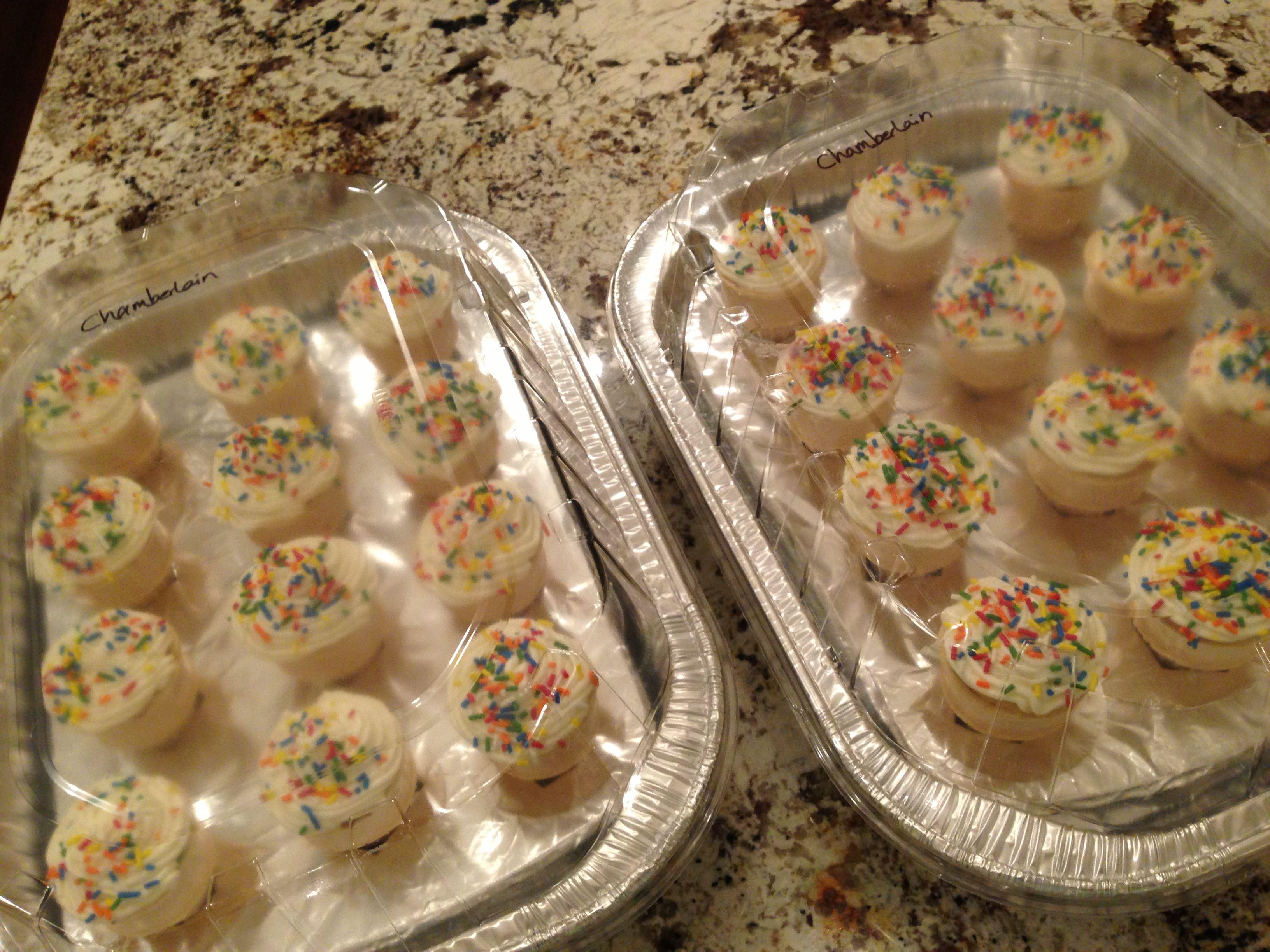 How To Transport Cupcake Icecream Cones Roaster Pan
