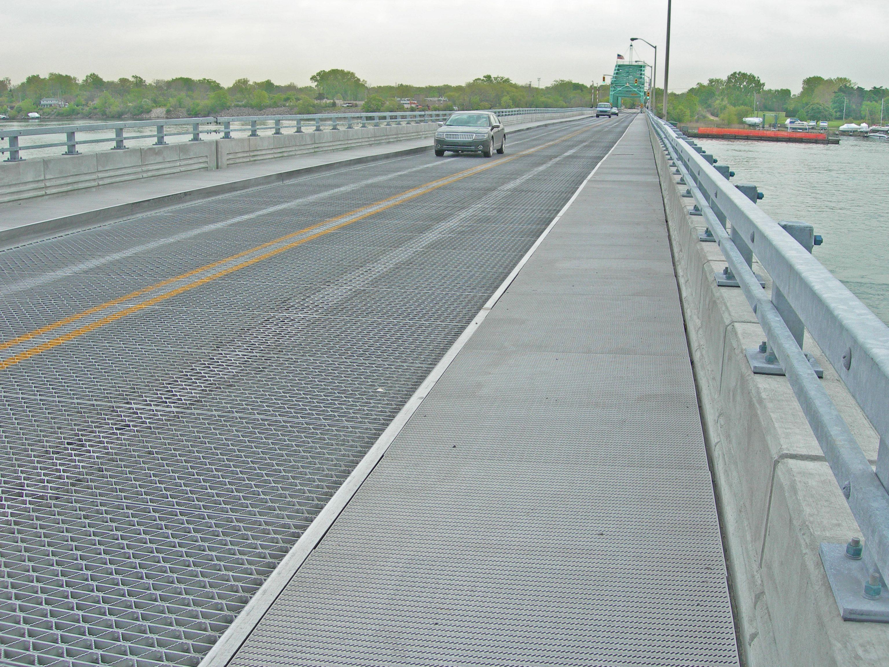 Wayne County Bridge Grosse Ile MI ADA Aluminum Plank With - Ada slip resistance