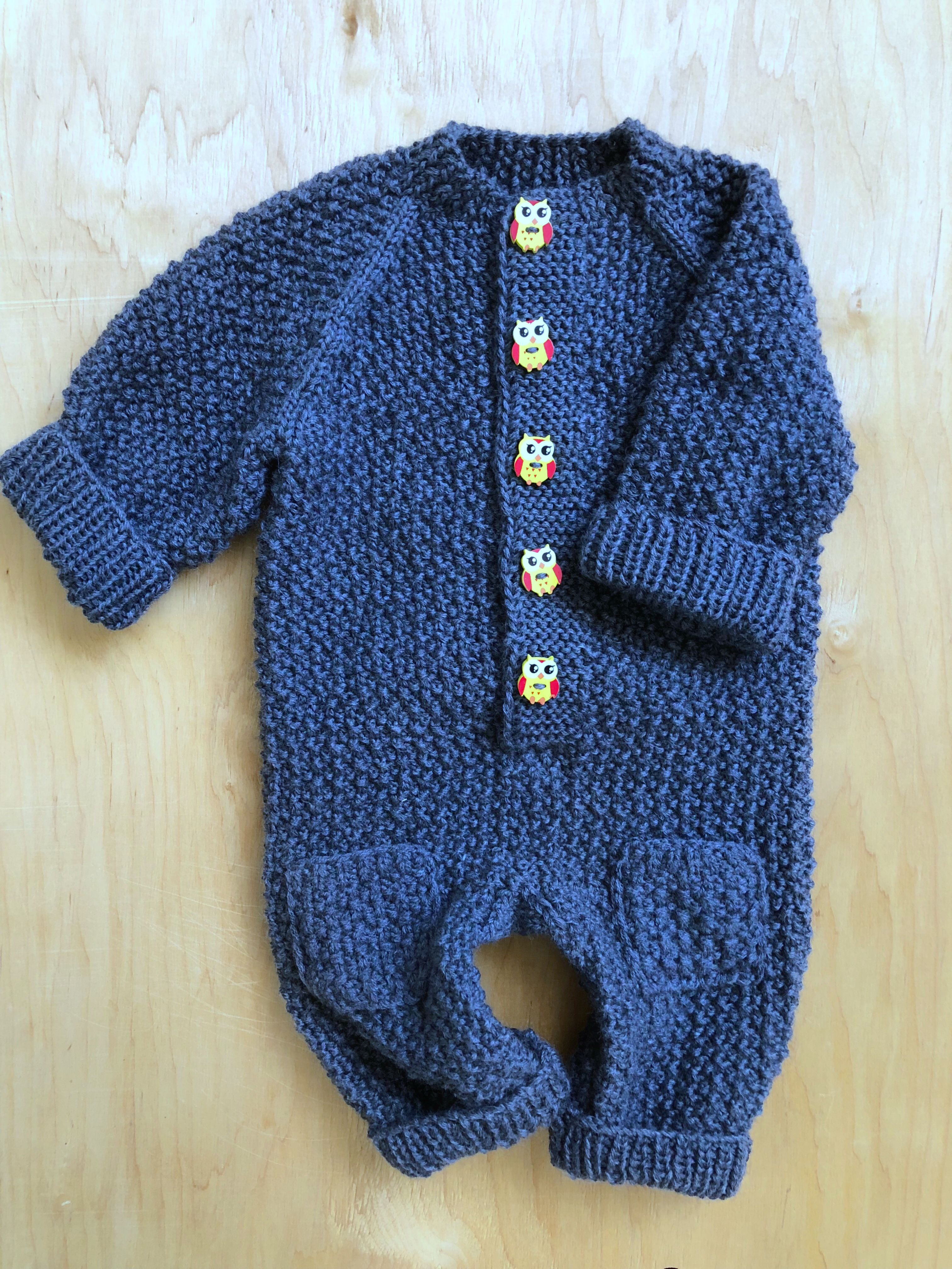 How to knit a jumpsuit for a newborn