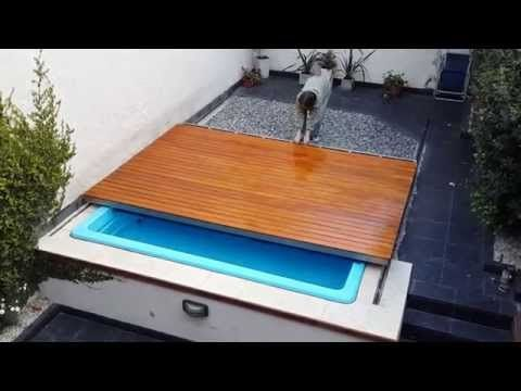 Deck corredizo pileta youtube casita pinterest for Piscinas pequenas cubiertas