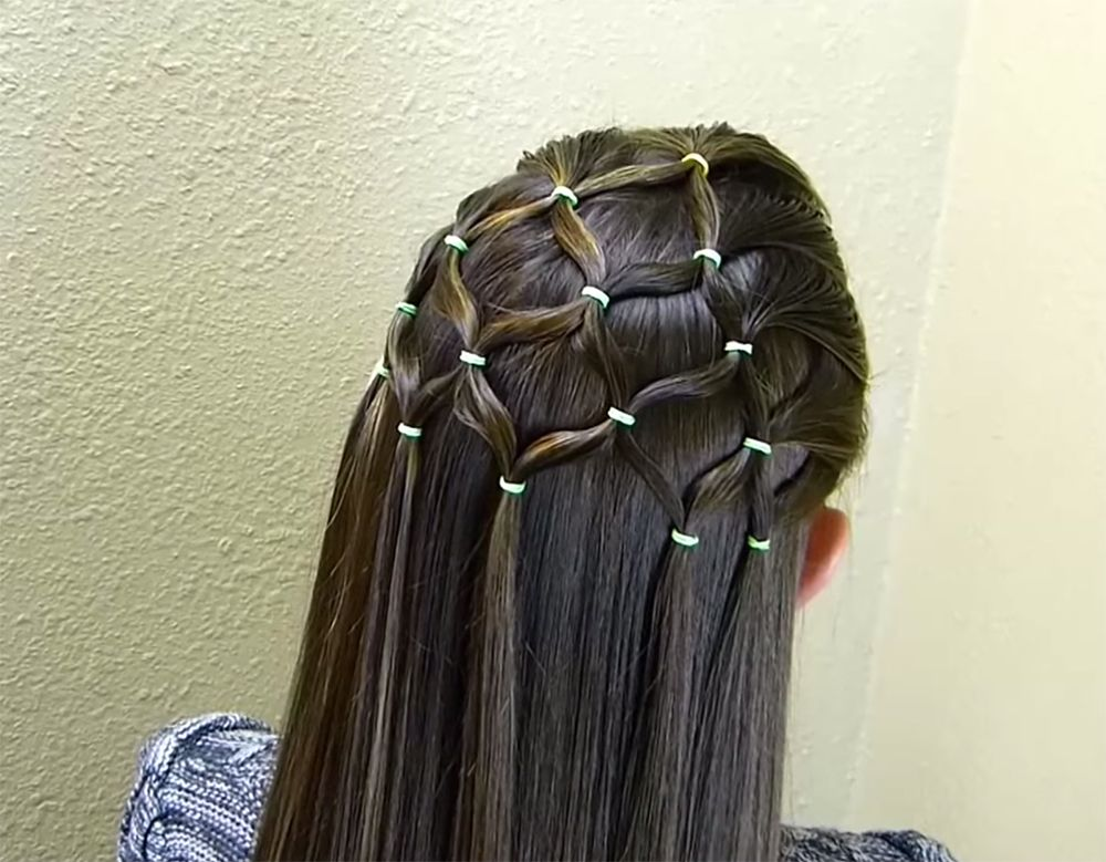 Magnificent Pretty Christmas Tree Hairstyle Thats Easier To Do Than It Looks Hairstyle Inspiration Daily Dogsangcom