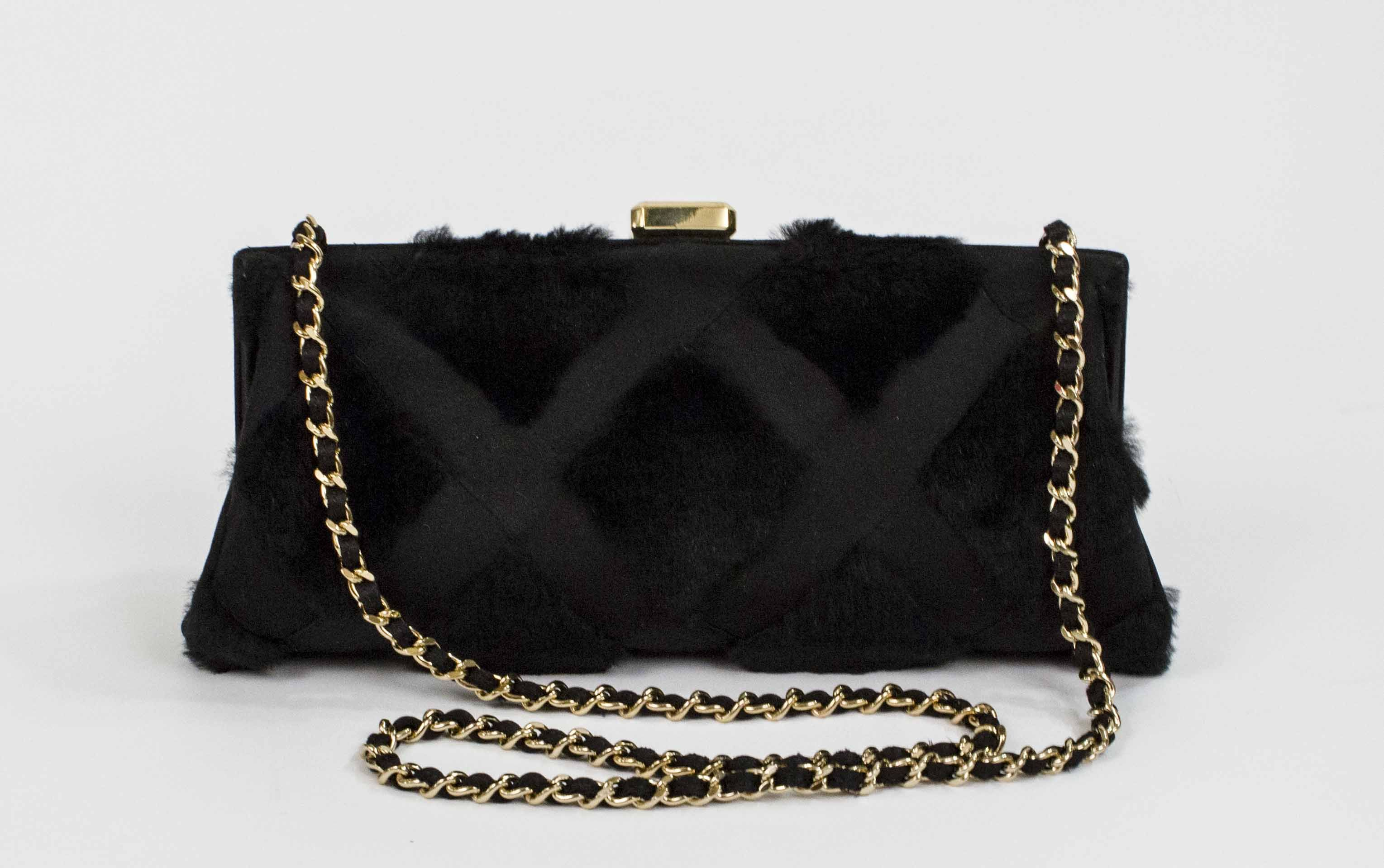 http://www.pandoradressagency.com/latest-arrivals/product/chanel-124/