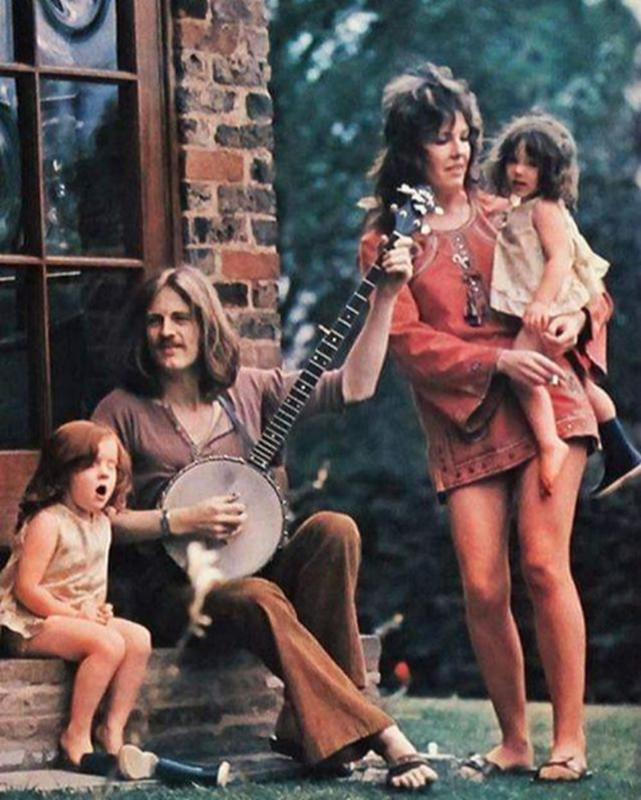 64 Groovy Photos So Beautiful We Can T Look Away Led Zeppelin Zeppelin John Paul Jones