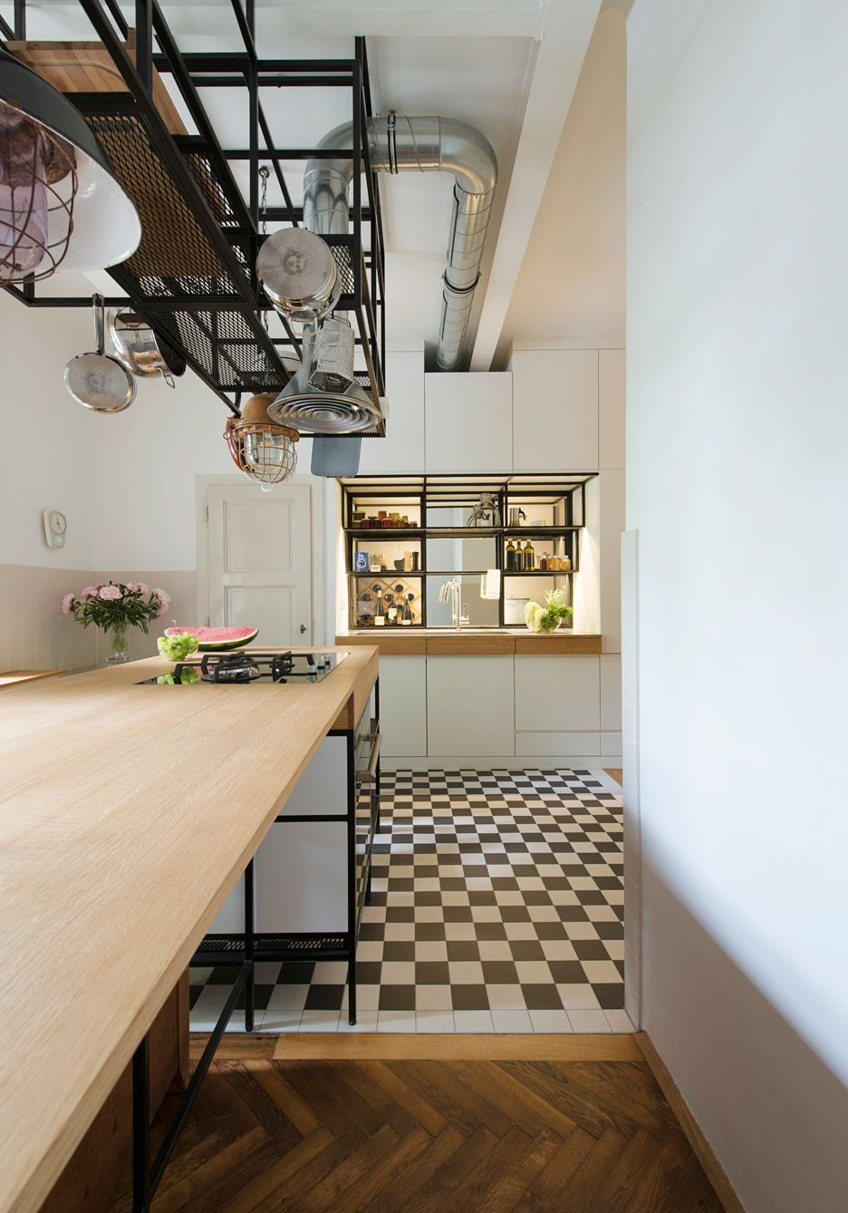 IFUB has installed bespoke black steel fittings in 1930s Art Deco apartment  renovation.