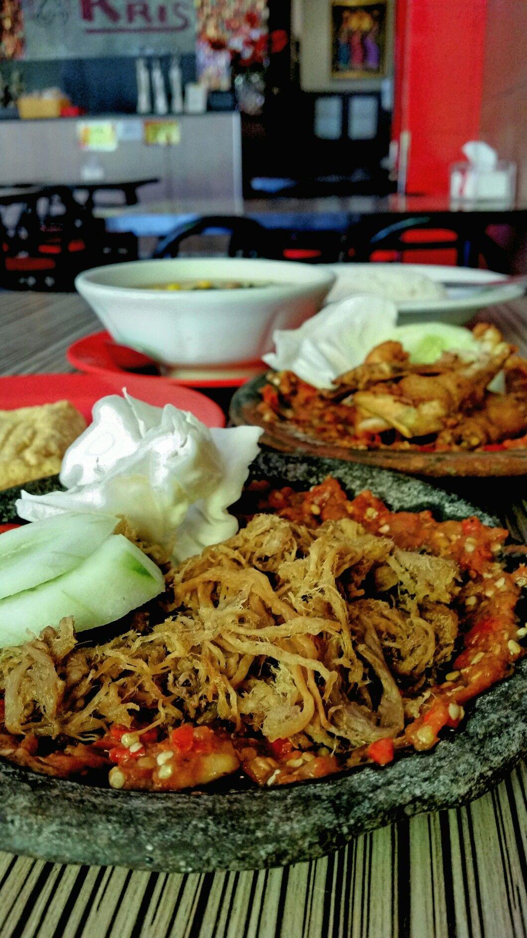 Empal Suwir Penyet Ayam Goreng Penyet Tahu Goreng Sayur Asem Warung Bu Kris Jakarta Ayam Goreng Ayam Tahu