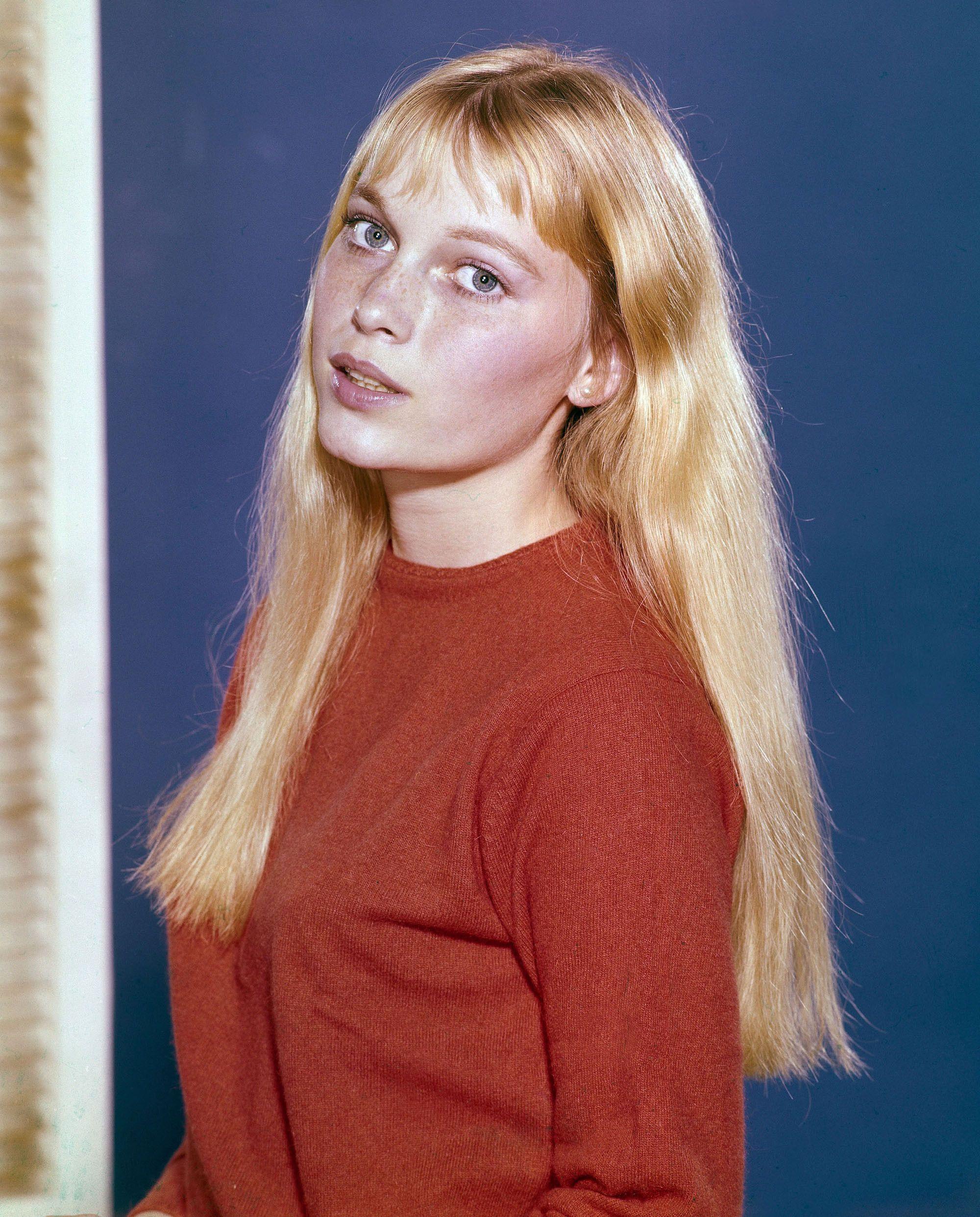 Evgenia Gl So Young Mia Farrow 1964 Young And