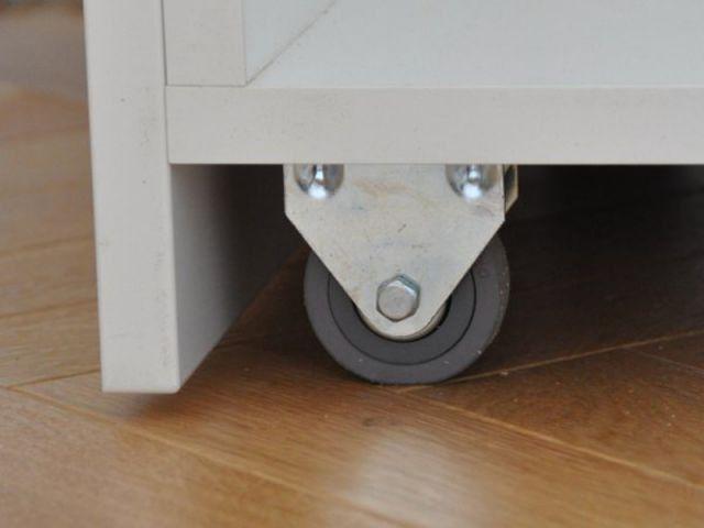 un rangement sur mesure sous l 39 escalier escaliers pinterest rangement sous escalier sous. Black Bedroom Furniture Sets. Home Design Ideas