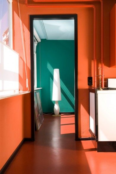colors in interior: orange + green