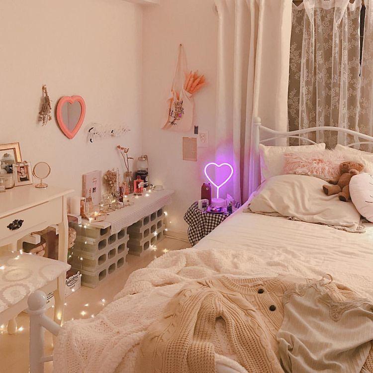 𝘱𝘪𝘯𝘵𝘦𝘳𝘦𝘴𝘵 ; 𝘷𝘪𝘯𝘵𝘢𝘨𝘦𝘭𝘶𝘴𝘵𝘵 🎞   Aesthetic bedroom, Minimalist ...