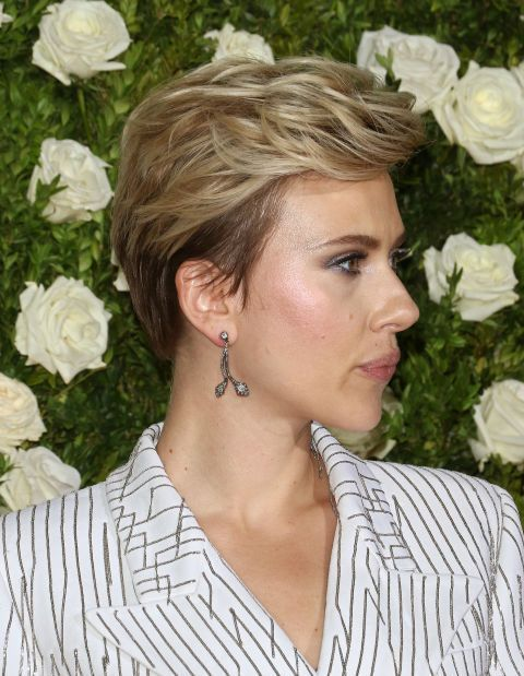 Scarlett Johanssons Long On Top Pixie Whoever Said Mullet Styles