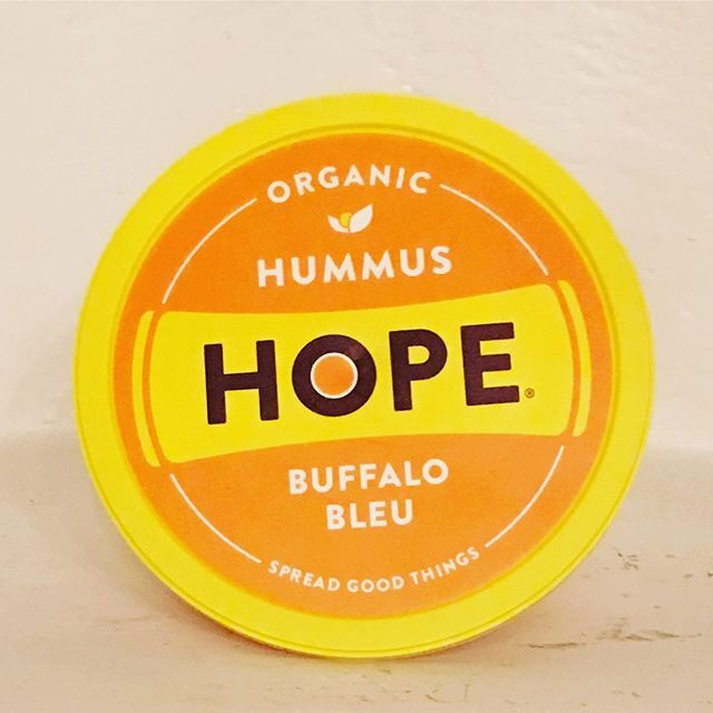 Hummus. Yum. What's crazy is the Sabra brand puts soybean oil in their blends. Make sure to read labels! Even something as harmless sounding as hummus can have toxic ingredients! Thankfully @hopefoods makes delicious hummus with all organic ingredients and their flavors are 🔥 Like this buffalo bleu flavor that makes any cracker that much better 🙌🏻 We buy this at WholeFoods 👍🏻