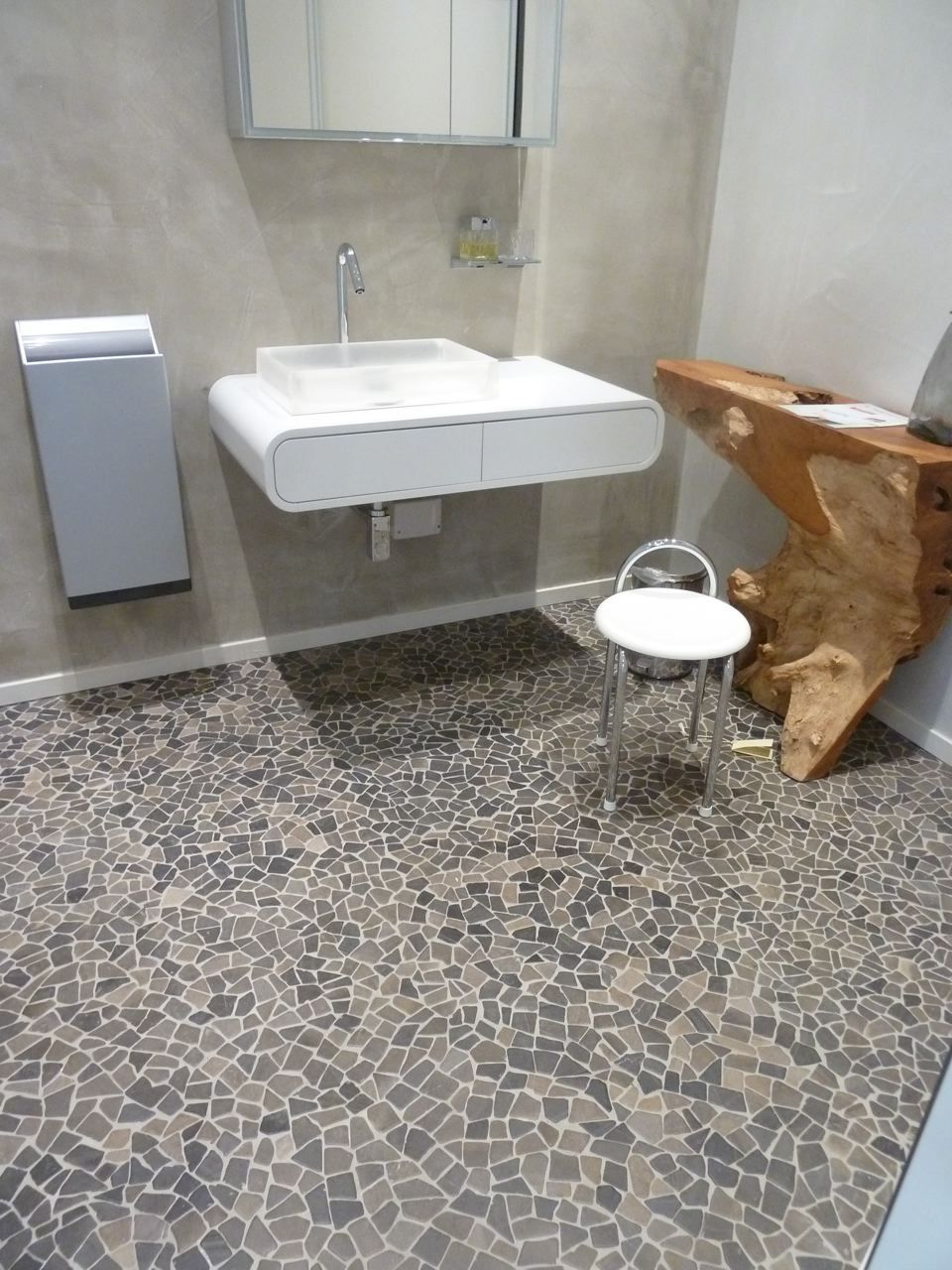 Badkamer vloertegels digtotaal - Badkamer imitatie vloertegels ...