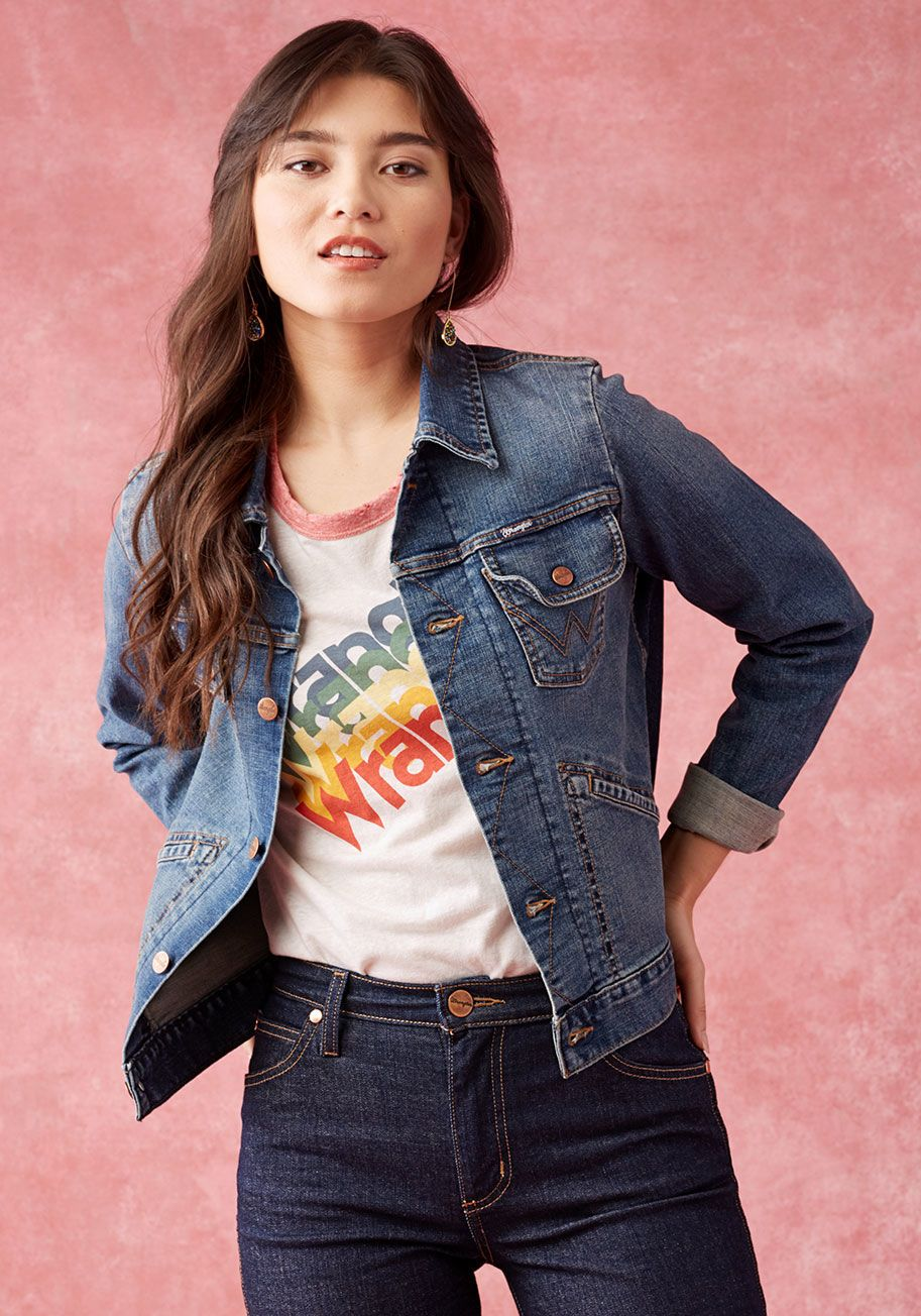 This Denim Jacket Does Total Justice To A Laid Back Look Perfectly Pocketed And Crafted For Comfort This Mid Wash Garment Perfect Denim Denim Jacket Fashion [ 1304 x 913 Pixel ]