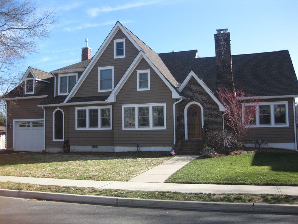 Gaf Timberline Roof Barkwood Certainteed Cedar Impressions D 7 Vinyl Shake Siding He House Exterior Exterior Paint Colors For House Certainteed Vinyl Siding