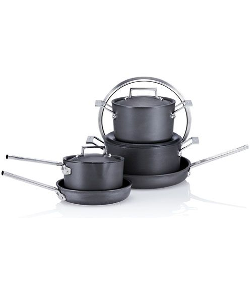 This 12 Piece Nonstick Cookware Set Is Under 90 And It S Amazing