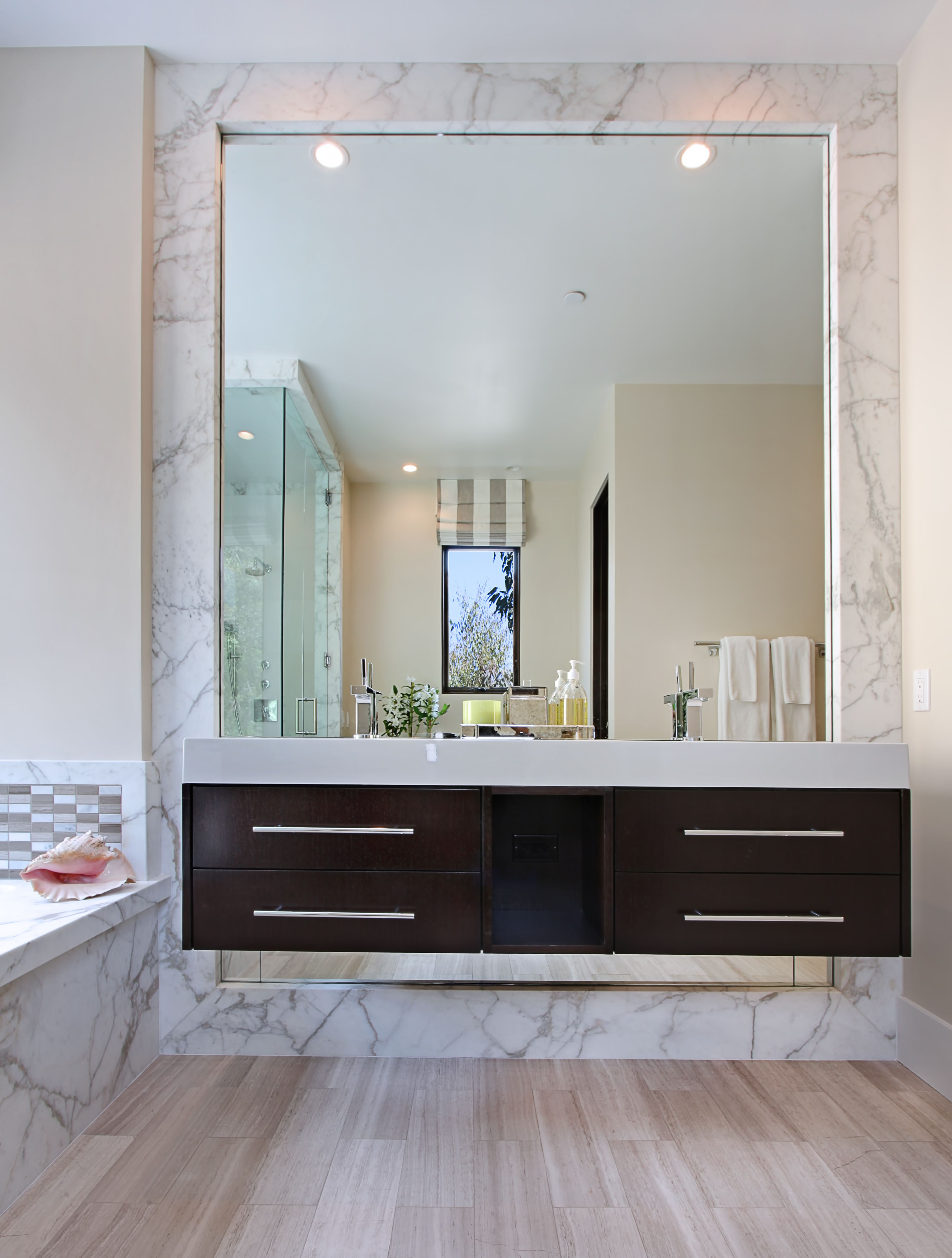 Bathroom Contemporary Cantilevered Sink Decorative Ideas With Bathtub Flat Cabinets Floating Vanity Large Mirror Light Wood Floor Recessed Lighting Roman