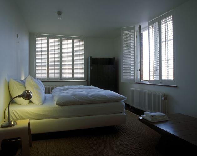 Slaapkamer - Jasno Shutters & Blinds | Raamdecoratie | Pinterest ...