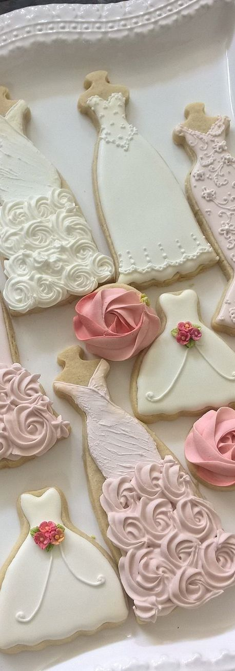 Gorgeous dresses and wedding gown cookies. Made from ecrandal.com ...