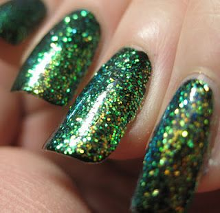 IBD Spectacular Sights Glitter in Mystical Sea. Pretty nails. The Incensewoman