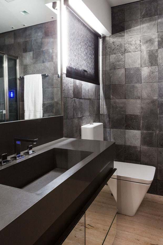 Men's Bathroom Design A Comfortable House Design & Style For Young Men  Bathroom