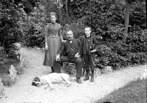Photographie d'album Famille Guillot, Dijon