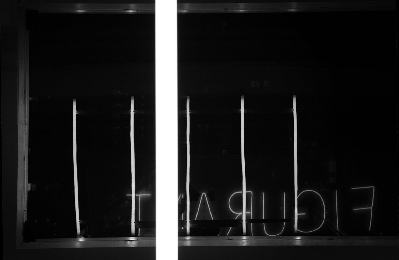http://www.lairedu.fr/winterreise/ La pratique de Bernard Calet se constitue de sculptures interrogeant l'espace et l'architecture, autour des notions de passages et de déplacements. L'installation sculpturale Winterreise (Voyage d'hiver) sera présentée à la Galerie Art et Essai du 17 janvier au 22 février 2013.   Voir les photos : http://www.lairedu.fr/winterreise-en-images/