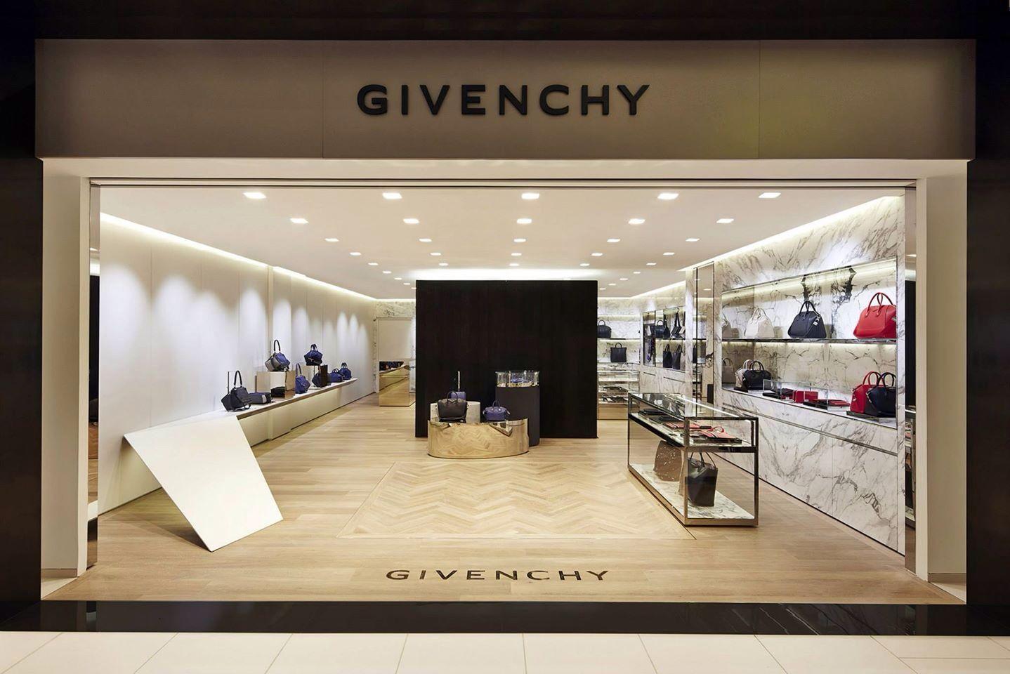 Resultado de imagem para Givenchy Inc showroom