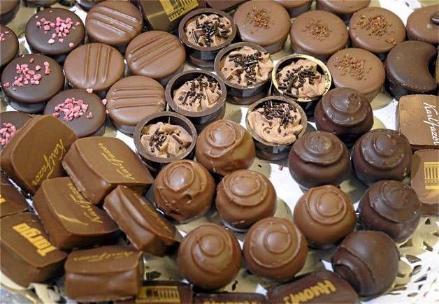 Suklaata ja vielä lisää suklaata.