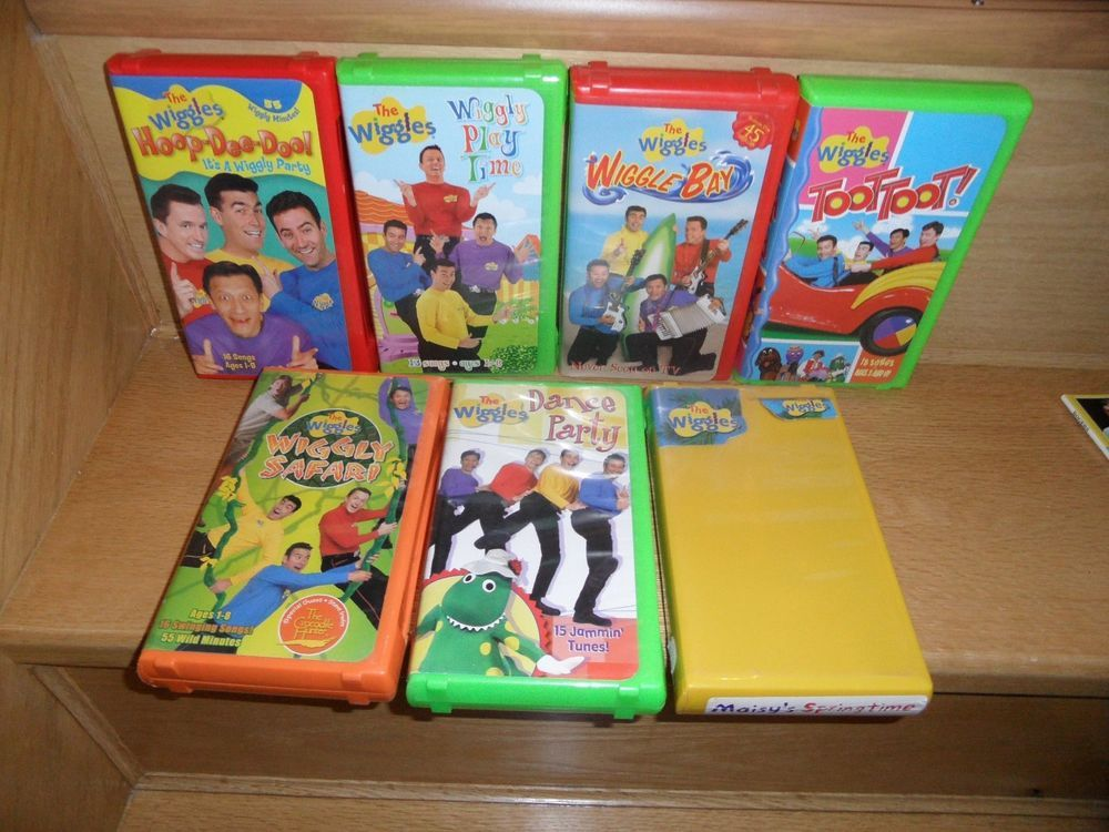 The WIGGLES 7 VHS Toot-Toot ,Hoop-Dee-Doo,Wiggly Play Time