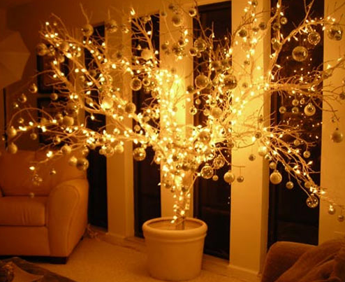DD wants to decorate bedroom with christmas lights... this is cool ...