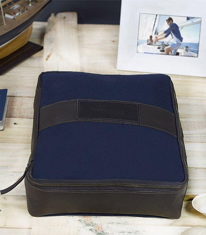 596f1b3ba Porta Camisa e Camiseta em Lona e Couro - Azul Hylberman - Hylberman malas,  mochilas