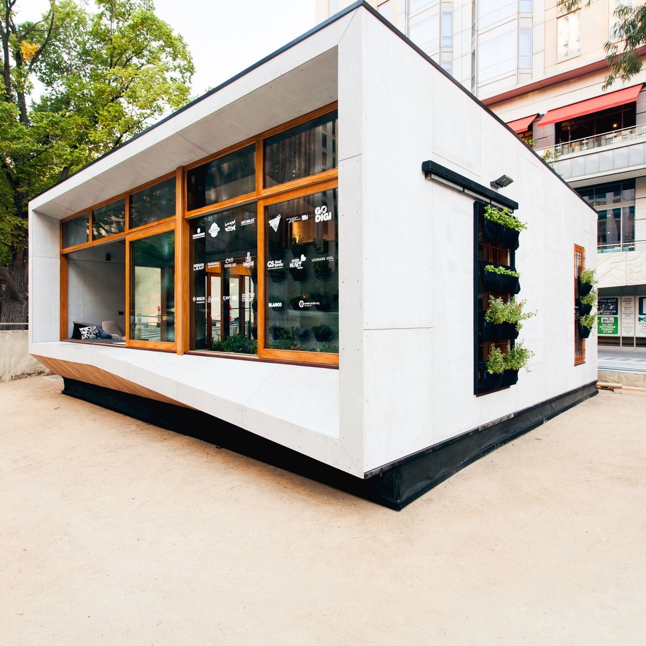 ArchiBlox, Carbon Positive Prefabricated House, Melbourne. Photo ...