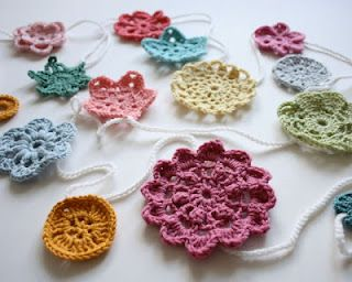 Crocheted Flower Banner For Stella S Room Diy Crochet Projects Crochet Garland Crochet Applique