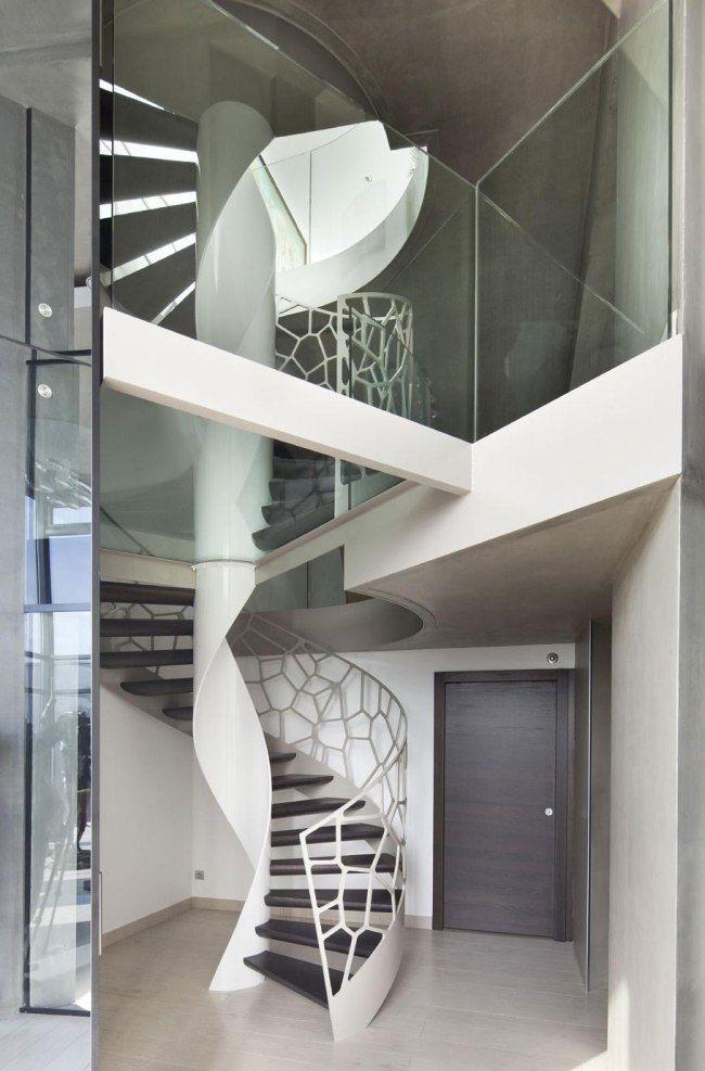 moderne wendeltreppe design weiß architektur glas geländer - exklusives treppen design