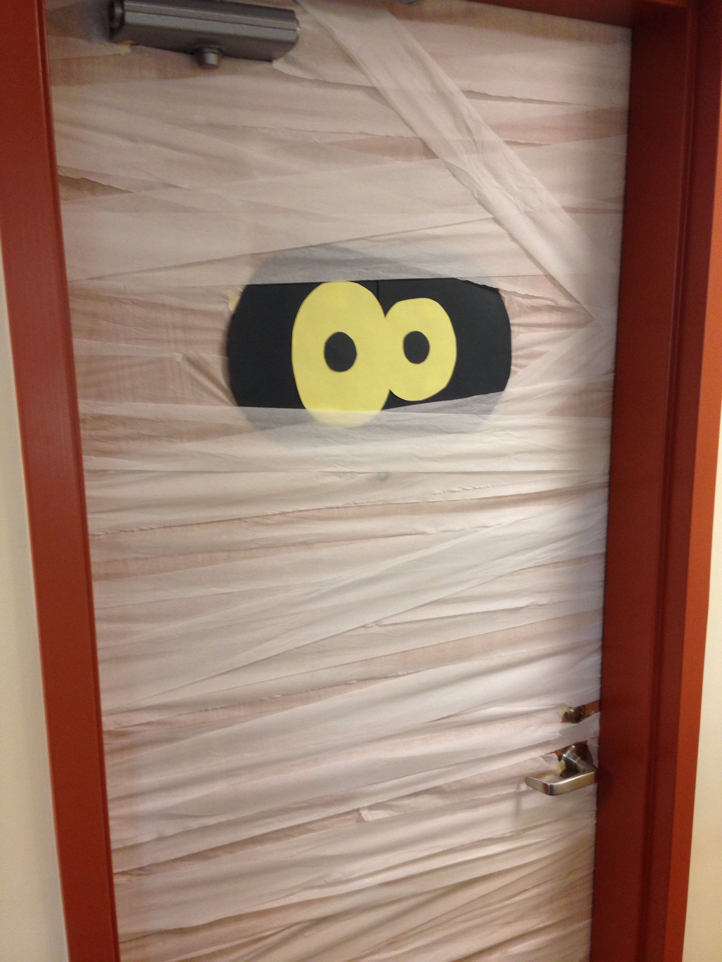 Door decoration for Halloween! So cute! Halloween dorm