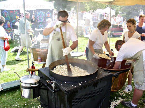 Old Fashioned Kettle Popcorn Maker 81