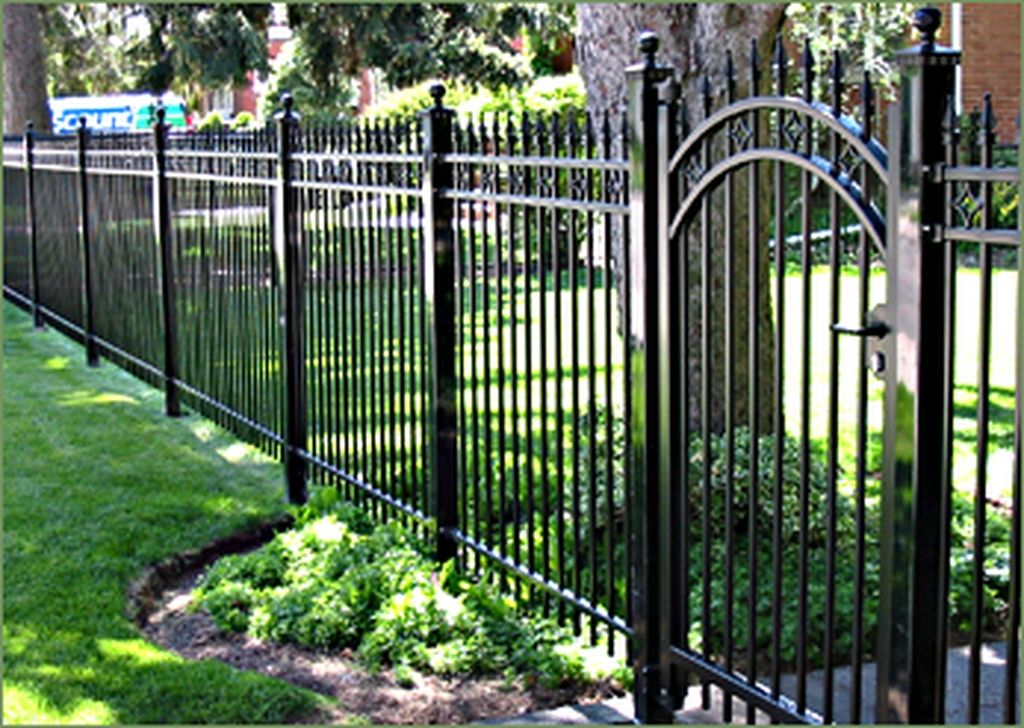 48 Popular Front Yard Fence Ideas Iron Fence Panels Front Yard Fence Fence Landscaping