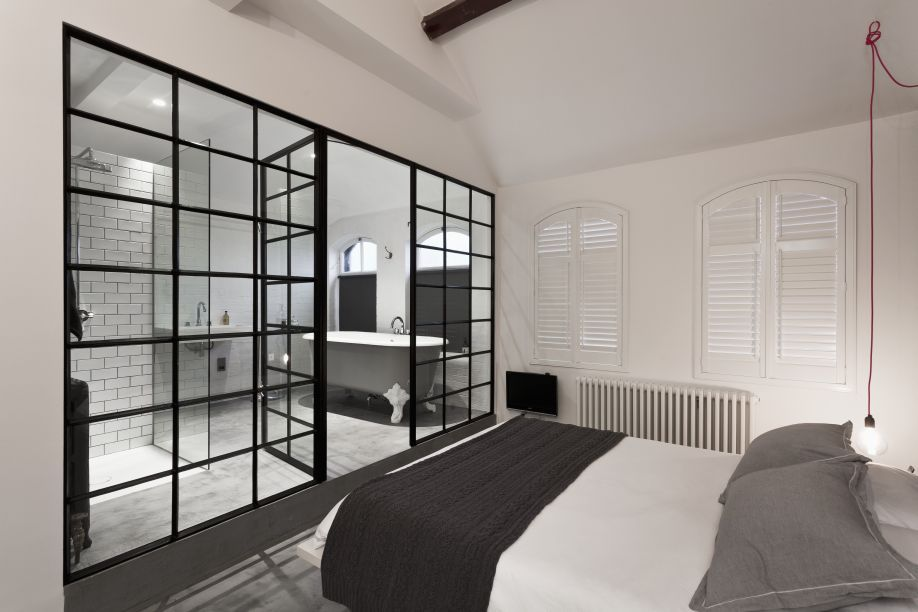 Ein Schlafzimmer im Scandi-Stil - Mehr im Westwing-Magazin - schlafzimmer schwarz