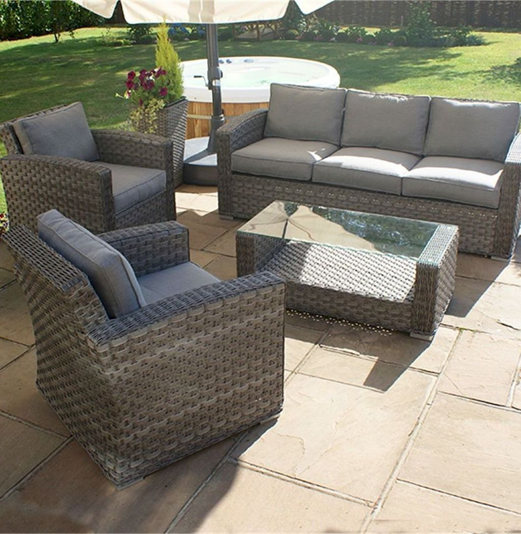 Types of Garden Sofa and Chairs You can Apply in a Small ...