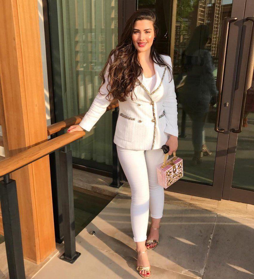 اجمل بنت عربية صاحبة الجسم الممتلئ Girl Fashion Fashion Elegant Girl