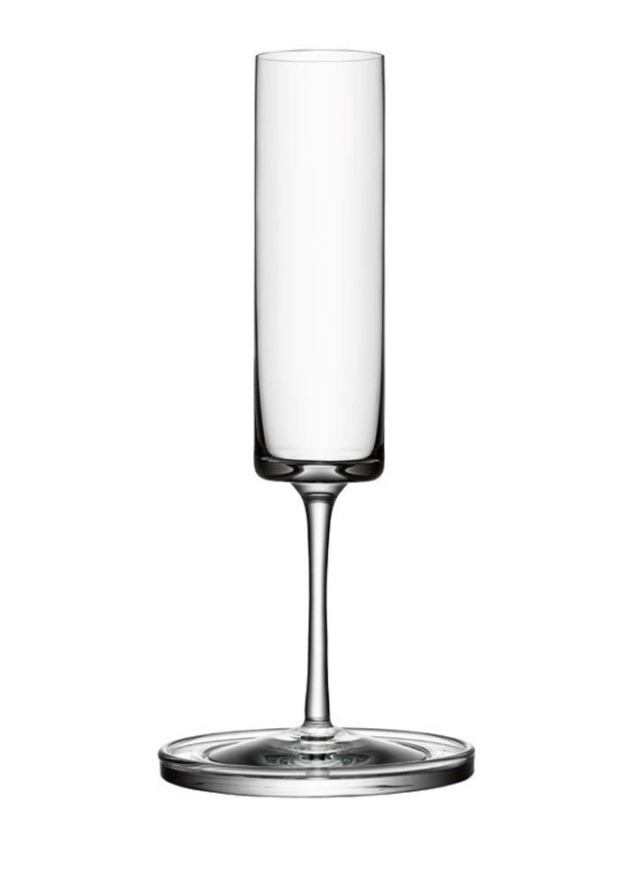 Champagneglasset Den svenske producent af mundblæst glas, Orrefors, har indgået et samarbejde med modeguruen Karl Lagerfeld. Den elegante glas-serie rummer vin-, vand- og likørglas. Glassene fås også i sort eller hvid. Fra 699 kr., Orrefors.