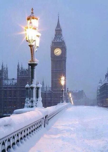London in snow <3