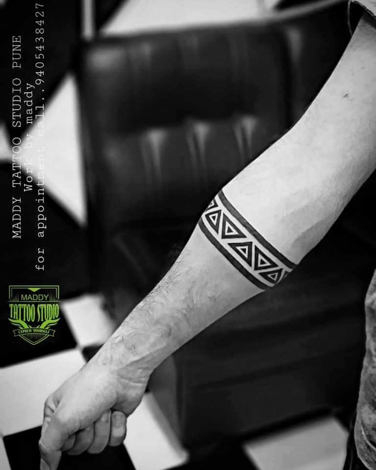 Top 109 Best Armband Tattoo Ideas 2020 Inspiration Guide Band Tattoos For Men Forearm Band Tattoos Band Tattoo