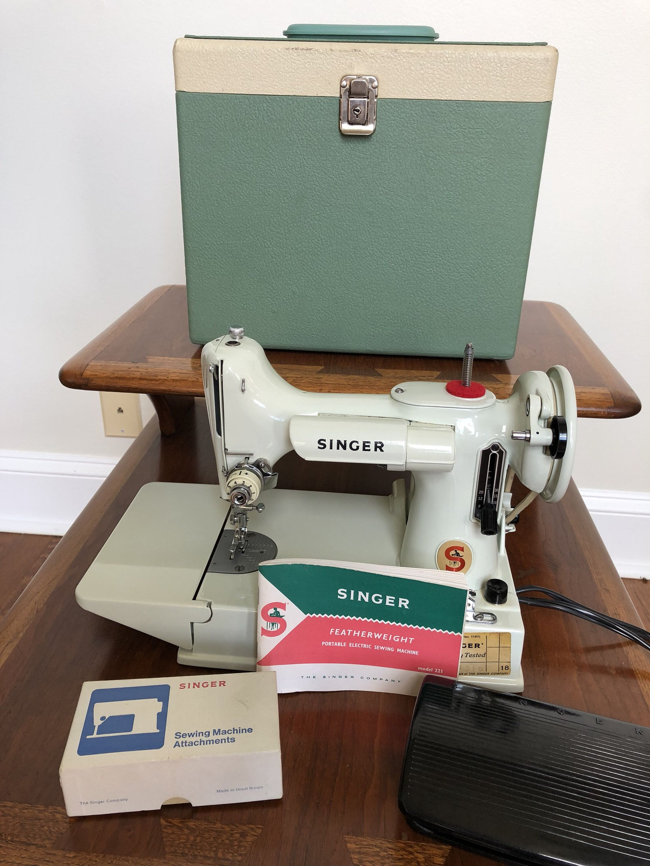 White Singer Featherweight 221 221k Sewing Machine Mint! by SpringChickShop  on Etsy https:/