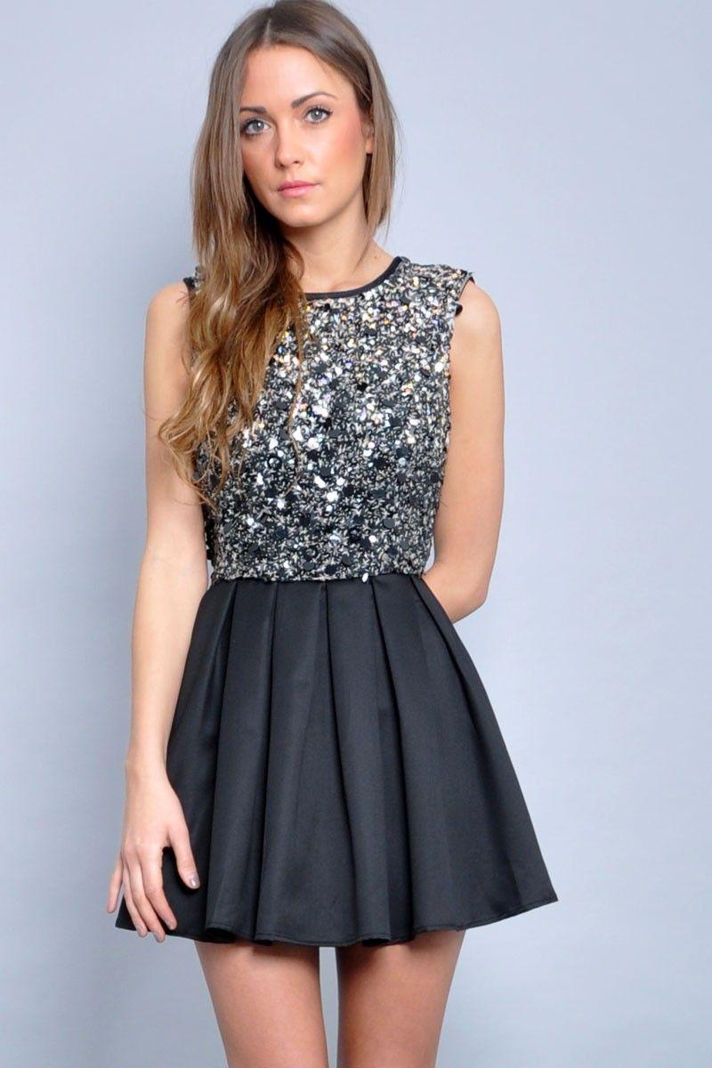 ebd28d3041dd7 Bayanlar adlı kullanıcının Moda panosundaki Pin   Elbise modelleri ...