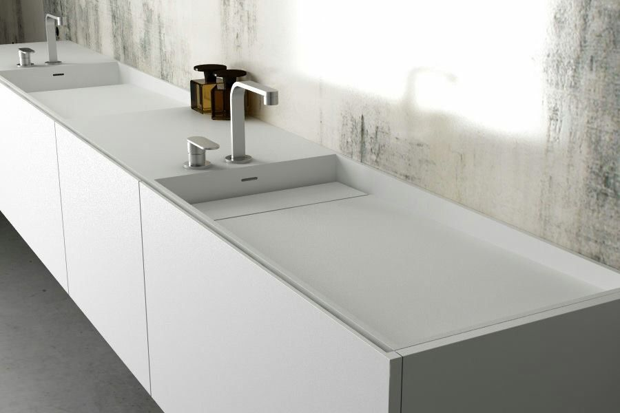 Meuble salle de bain style minimaliste moma design by - Specialiste salle de bain toulouse ...