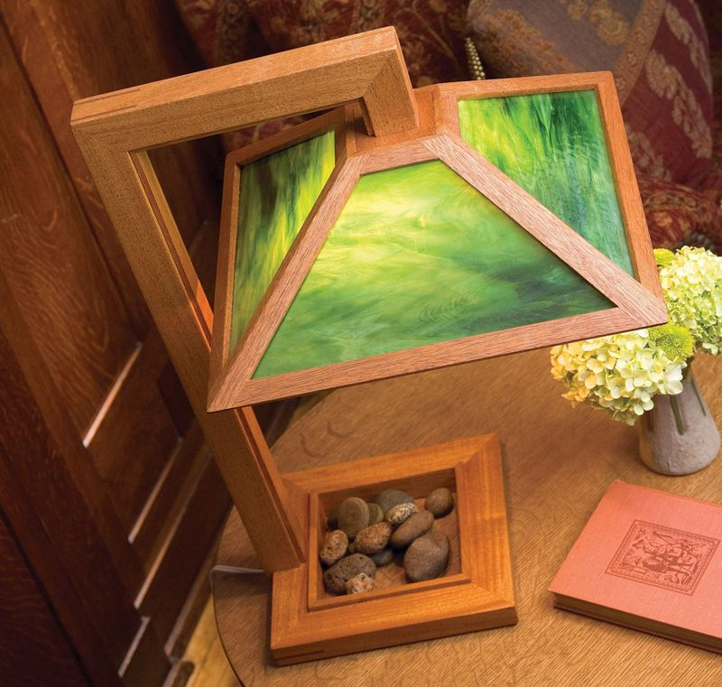 Woodworking Projects Plans: Arts & Crafts Table Lamp